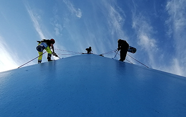 Rope access team on funnel_04
