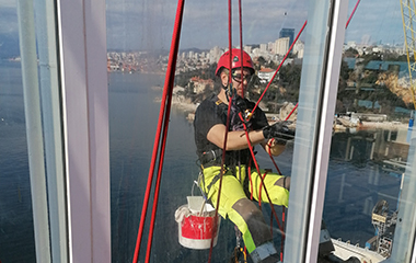 Rope access team working on windows